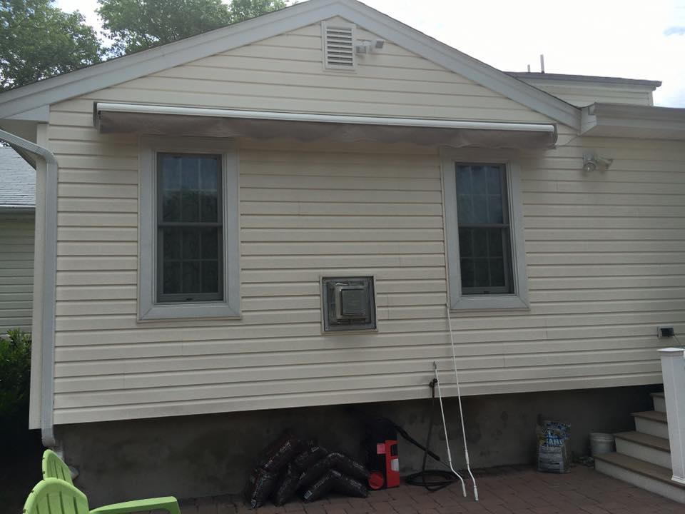 Bronx New York Retractable Awnings - The Awning Warehouse ...