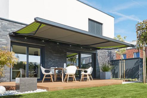 A Retractable Extends Your Outdoor Living Space, Providing Weather  Protection From Light Rain Or Glaring Sun. Turn Your Deck Or Patio Into A  Relaxing ...
